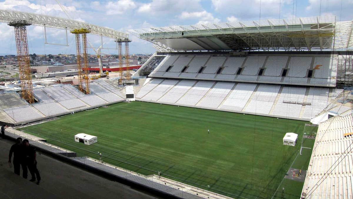 Worker dies at stadium hosting 2014 world cup opener in sao paulo