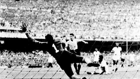 1950: Uruguay silences the Maracana