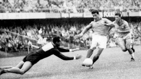 1958: Just Fontaine, France, 13 goals