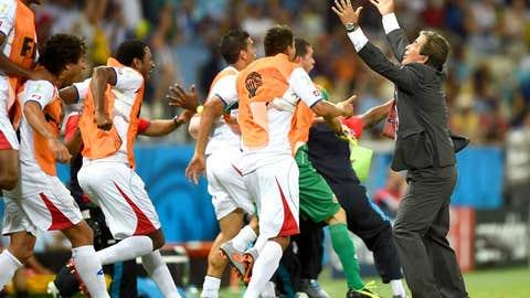 Costa Rica shocks Uruguay with second-half revival