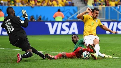 Fred scores, Brazil wins