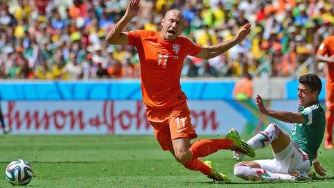 Dutch winger Arjen Robben admits to diving (June 29)
