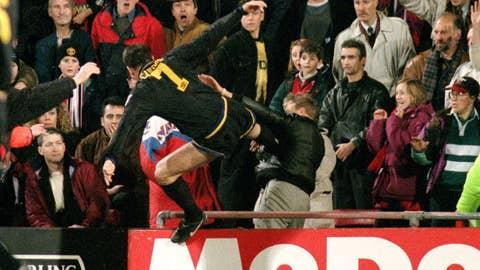 Eric Cantona kicks fan during Crystal Palace v Man United match