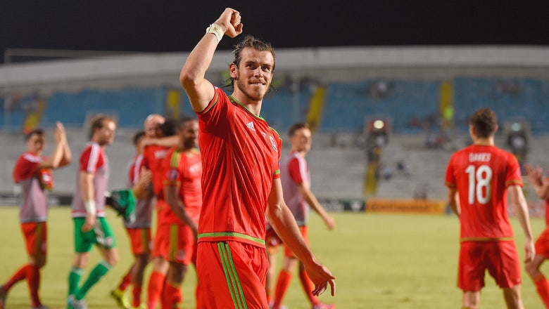 Bale pushes Wales closer to Euro 2016 with late header in Cyprus