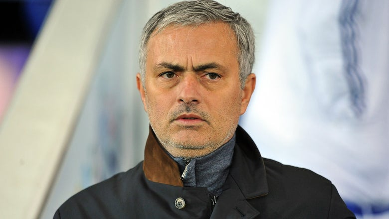 Mourinho faces massive pay cut to land Manchester United job