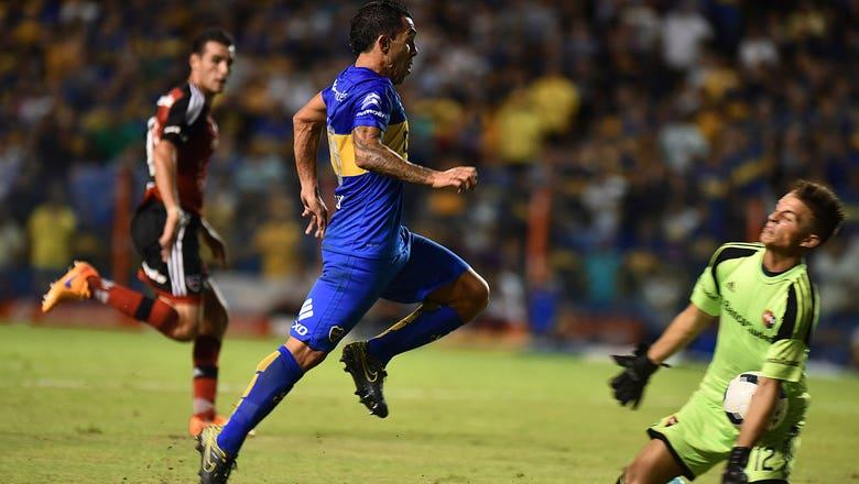 Carlos Tevez breaks goalkeeper's jaw with flying knee
