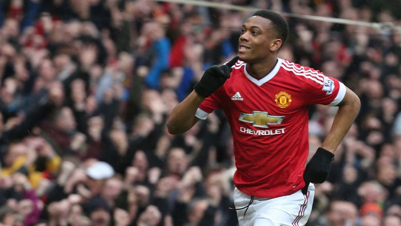 Paris Saint-Germain make approach for United striker Martial