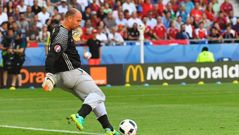 Saying goodbye to our favorite sweatpants dad: Gabor Kiraly retires from Hungary