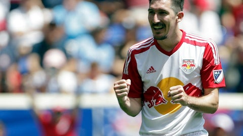 Is Sacha Kljestan a first-choice starter now?
