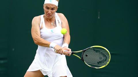 Day 2: Svetlana bows out