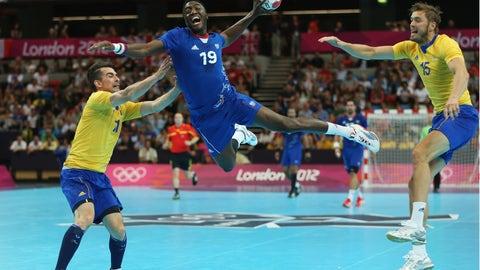 13. Handball