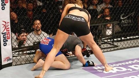 Ronda Rousey v Sara McMann