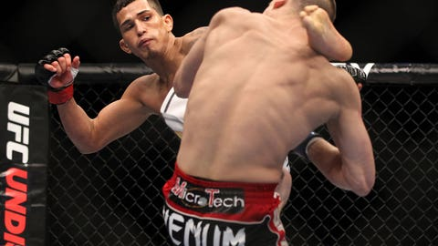 Anthony Pettis vs. Joe Lauzon