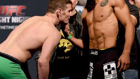 Henderson vs. Thatch weigh in