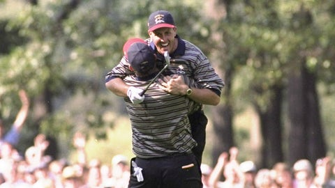 Phil Mickelson: 19 points (16-19-6)