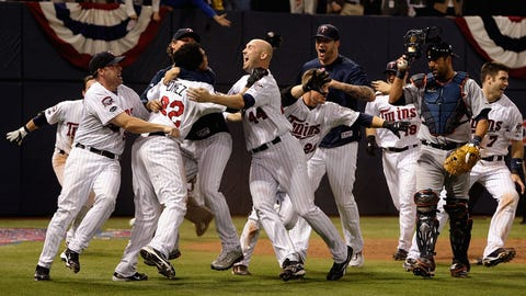 A one-game playoff for the AL Central goes to extras (2009)