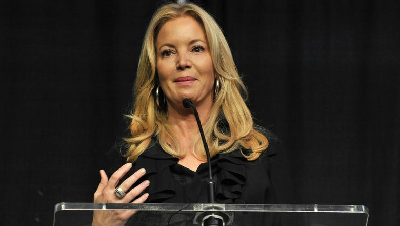 Jeanie Buss to control Lakers for life