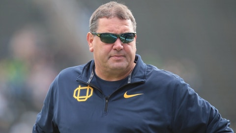 Former Oregon defensive coordinator Brady Hoke reportedly hired at Tennessee