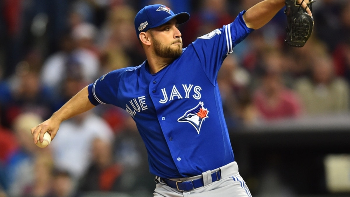 Marco Estrada and Wade Miley battled in a low-scoring affair.