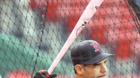Red Sox should trade 1B/3B Mike Lowell