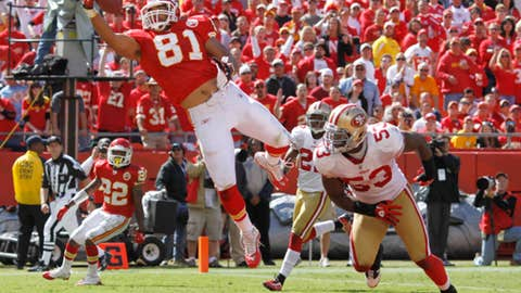 Tony Moeaki: One-handed touchdown reception
