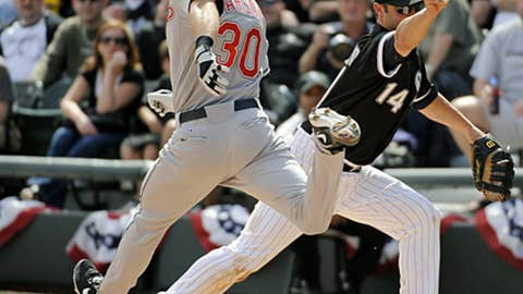 Buehrle's through-the-legs put-out