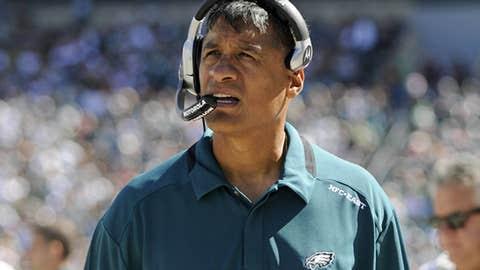 Eagles defensive coordinator Juan Castillo