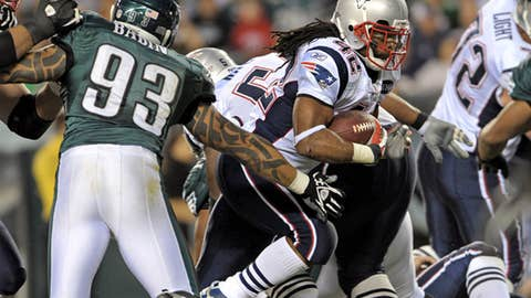 Week 12: Pats 38, Eagles 20