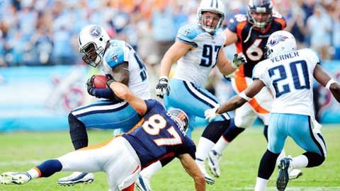 Broncos 14, Titans 17