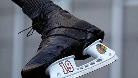 Sneaker skates