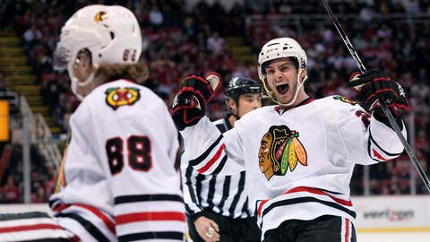 Game 22: Blackhawks 2, Red Wings 1 (SO)