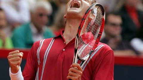 2007: Hamburg final (Federer wins 2-6, 6-2, 6-0)