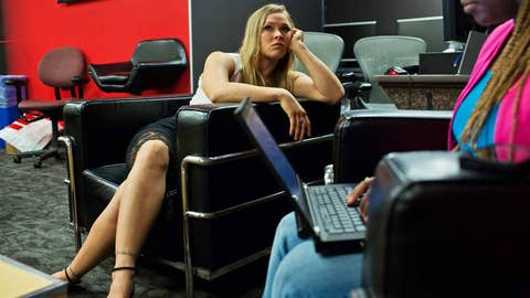 Ronda Rousey, waiting woman