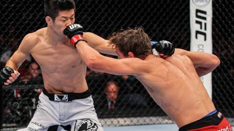 Darren Elkins vs Hatsu Hioki