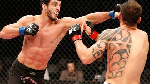 Elias Silverio lands a left on Joao Zeferino