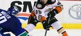 Kase, Gibson lead Ducks over Canucks