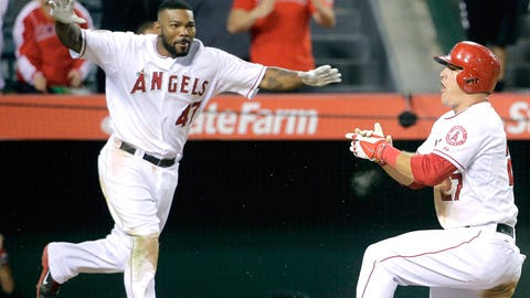 Trout does bow-and-arrow routine mocking Rodney