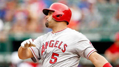 Albert Pujols hits his 500th home run
