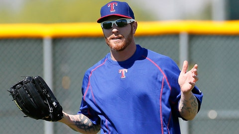 Josh Hamilton leaves camp to have his knee examined