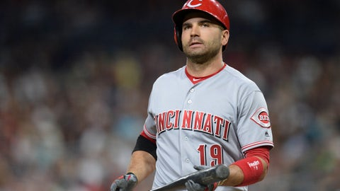 Kid asks Joey Votto for his batting gloves, gets unexpected response (July 28)