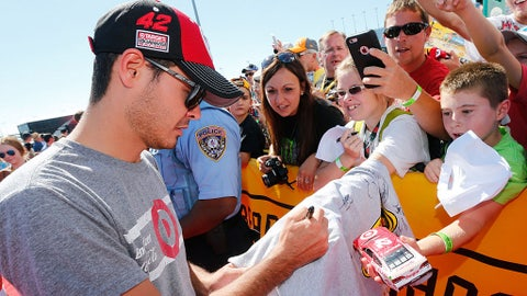 Larson signs for the fans