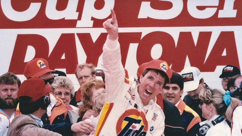 1989 Daytona 500: DW dances