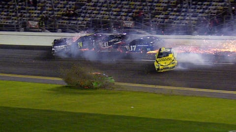 Sequential Crash Gallery: 'Big One' at Sprint Unlimited