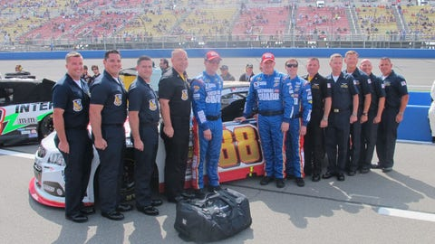 Pre-race in Fontana: The Blue Angels and the No. 88 team