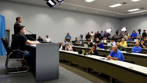 Meet the press: Stewart addresses media