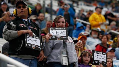NASCAR shows support for Steve Byrnes