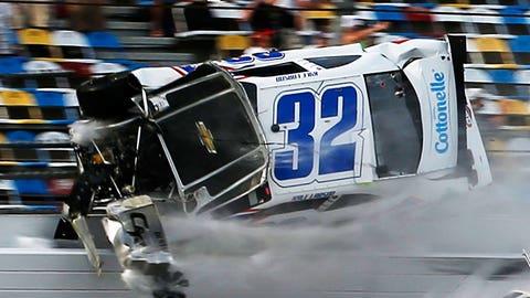 Kyle Larson takes violent ride into Daytona catchfence