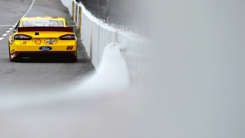 Martinsville Speedway: 100.201 mph