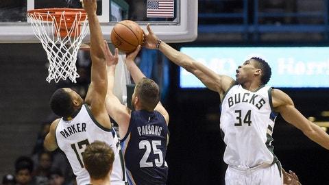 Milwaukee Bucks (12)