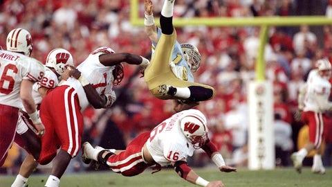 12. 1999 Rose Bowl: No. 9 Wisconsin 38, No. 5 UCLA 31